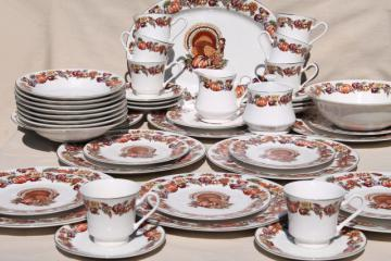 fine stoneware Thanksgiving china dinnerware w/ turkey & fall harvest pumpkins