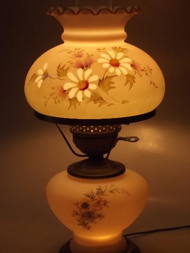 Floral Glass Lamp W Chimney Shade Quoizel Vintage