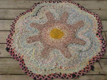 flower shape antique vintage braided cotton fabric rag rug floor mat
