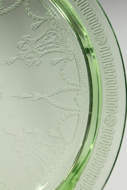footed cake plate vintage Anchor Hocking Cameo green depression glass flat plateau