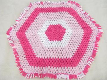funky vintage crochet hexagon throw rug, 60s vintage pink & white