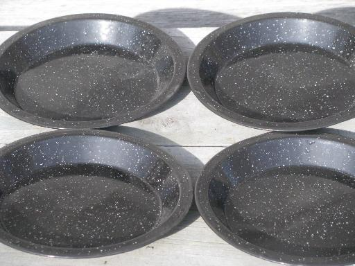 Graniteware Spatter Enamelware Campfire Cookout Pans And Camping Plates
