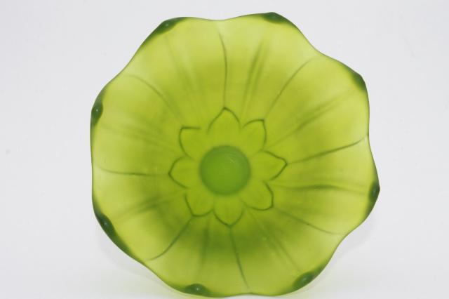 Green Mist Frosted Satin Glass Lotus Flower Vase Vintage