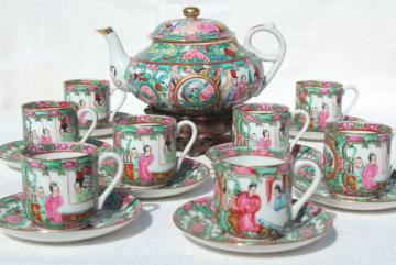 hand painted porcelain tea pot set cups & saucers famille rose medallion vintage Hong Kong china