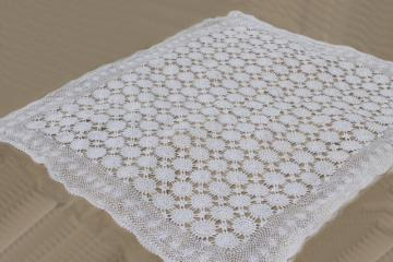 handmade crochet lace bedspread, shabby chic vintage cotton coverlet w/ lacy spider web motifs