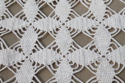 Handmade Crochet Lace Tablecloth 1940s Vintage Star Pattern Cotton