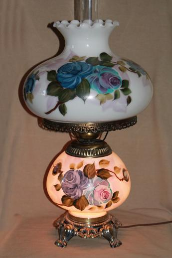 Hand Painted Milk Glass Gone With The Wind Lamp Vintage