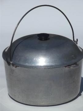 huge 10 qt dutch oven camping kettle, vintage cast aluminum pot & lid