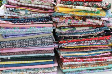 huge lot 22 POUNDS print cotton quilting scraps, 70s-80s vintage & newer fabric