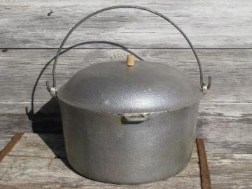 huge old Club aluminum dutch oven pot w/ lid, loop handle for campfire
