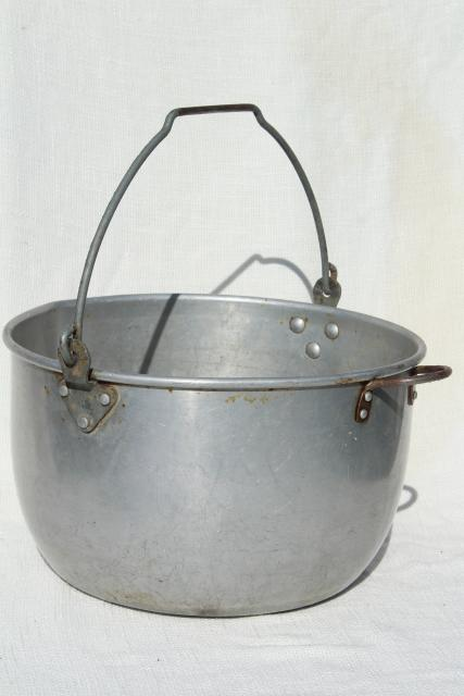 huge old cooking pot kettle cauldron w/ bail handle for hanging on camp fire / fireplace