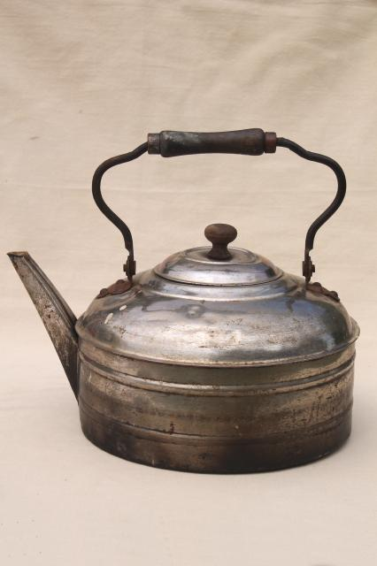 huge six quart tea kettle, vintage Rochester teakettle w/ primitive bail wood handle