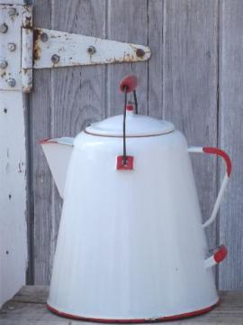 huge vintage thresherman's coffee pot,  old farm kitchen graniteware