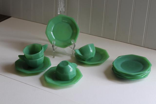 jadite green glass doll dishes, vintage Akro Agate depression glass toy tea set