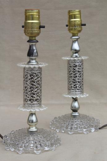 kitschy vintage vanity table / dresser lamps for retro 1950s 60s boudoir