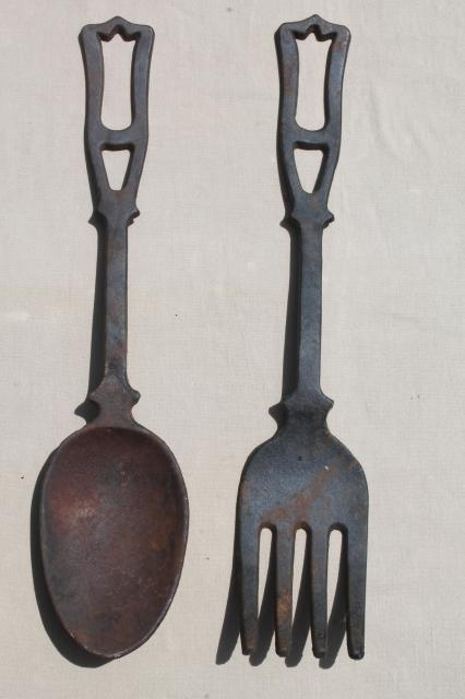 large fork & spoon vintage cast iron metal wall art, kitchen or restaurant sign plaques
