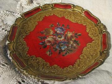 large round vintage Florentine tray, gilded gold wood, flowers on red
