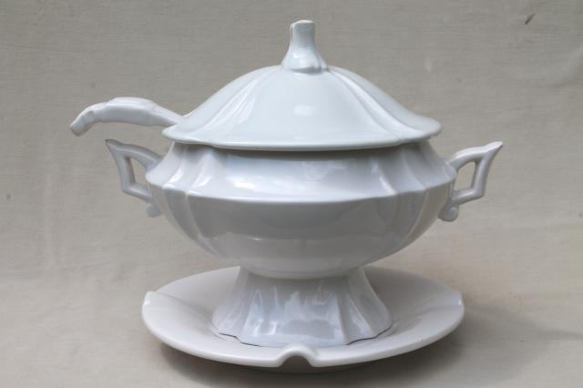 Large White Earthenware Ceramic Soup Tureen Ladle Amp Tray