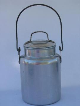 little old metal milk pail w/ lid, vintage dairy farm cream can