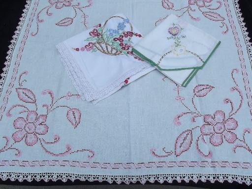 Marvelous Lot 40S 50S Vintage Card Table Cloths Tablecloths W Download Free Architecture Designs Scobabritishbridgeorg
