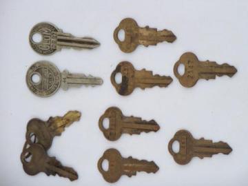 lot of 10 ornate old & vintage brass keys for padlocks etc Chicago Lock