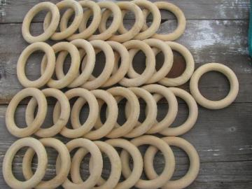 lot of 30 retro wood curtain hanging rings, 70s vintage, big and groovy