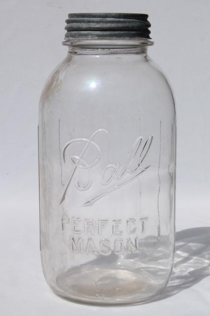 Lot Of 4 Vintage Two Quart Ball Perfect Mason Jars W Antique Zinc Metal Lids
