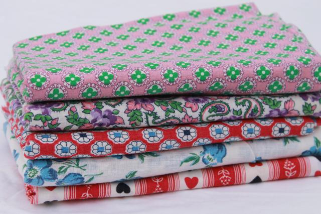 lot of 40s 50s vintage fabric feedsacks, print cotton feed sack collection, hearts & flowers