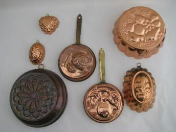 lot of tinned copper molds, french country kitchen style