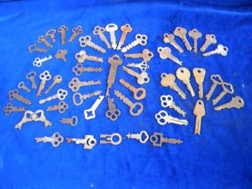 lot of vintage old unusual box, chest & padlock keys
