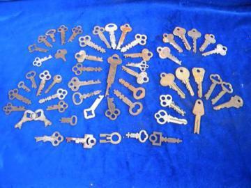 lot of vintage old unusual box, chest & padlock keys
