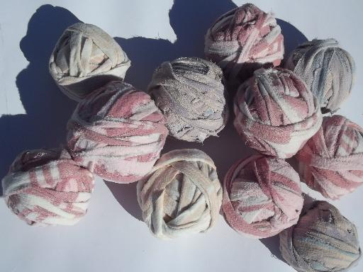 lot old cotton blanket fabric rag balls, rug strips in vintage colors
