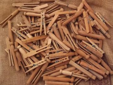 lot old wooden clothespins, 100+ vintage wood clothespins