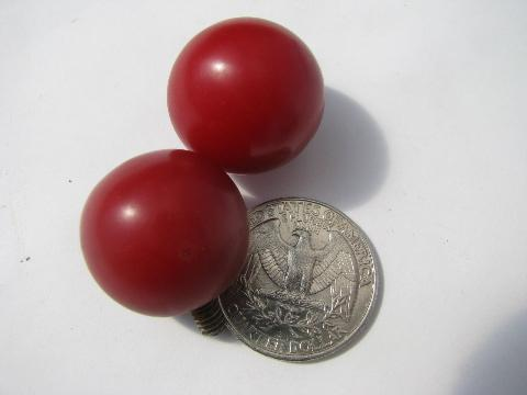 lot retro vintage bakelite drawer pulls & knobs, carmel & cherry red