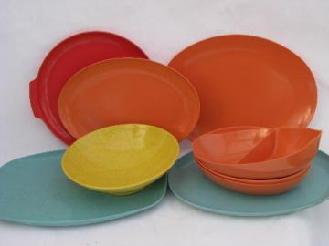 lot retro vintage melmac dishes, serving bowls & platters, beachy colors turquoise & coral