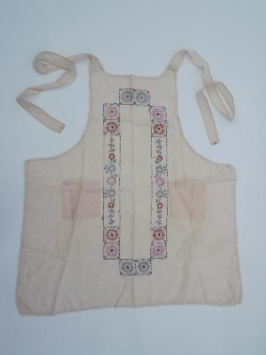 lot vintage cotton print pinafores and checked aprons for kitchen chores