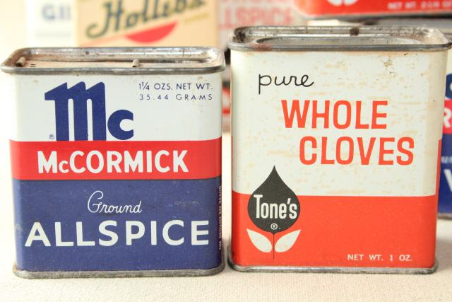 Antique mccormick spice bottles lot vintage metal spices for Retro kitchen set of 6 spice tins