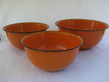 lot vintage orange enamelware kitchen bowls, country primitive fall harvest
