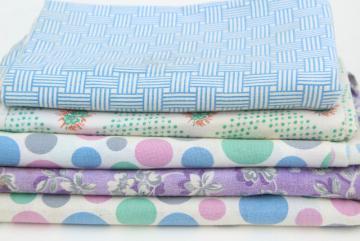 lot vintage printed cotton feedsack fabric, lavender / blue prints feed sacks