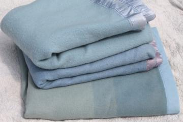 lot vintage wool bed blankets in shades of blue, warm all wool blankets for winter