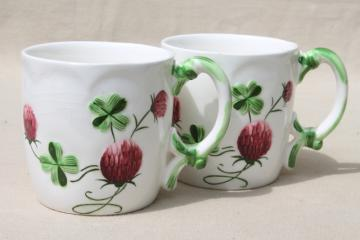 lucky clover ceramic mugs, cottage style china tea mugs w/ red clovers, vintage Japan