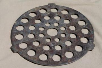 marked Griswold 8 inch diameter trivet, vintage pot / skillet pan rack insert
