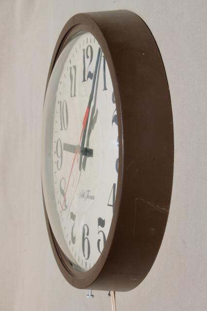 century modern vintage industrial schoolhouse wall clock