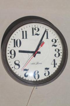 mid-century modern vintage industrial / schoolhouse wall clock