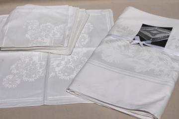 mint condition vintage pure white chrysanthemum damask banquet tablecloth & dinner napkins set
