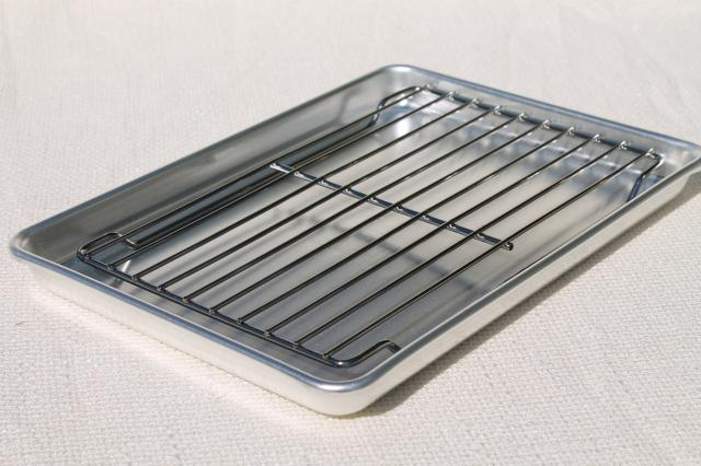Mint In Box Vintage Mirro Aluminum Baking Pans Small