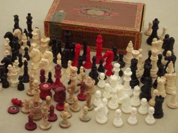 mixed lot vintage game pieces, old bone, bakelite, plastic chess pieces