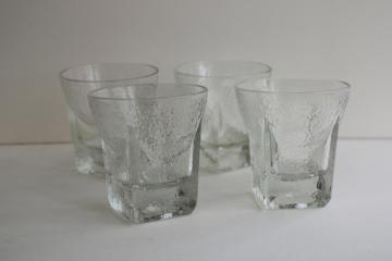 mod vintage ice textured glass drinking glasses, square base tumblers St Regis?