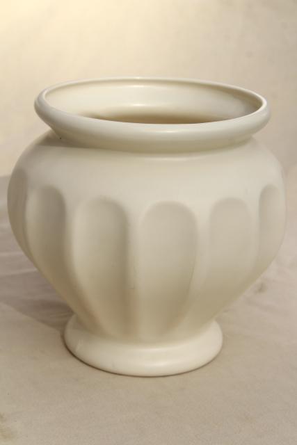 Mod Vintage Matte White Ceramic Vase Haeger Pottery Large Urn Or Jar