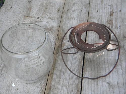 old Dietz D-lite barn lantern globe for replacement part 1923 patent